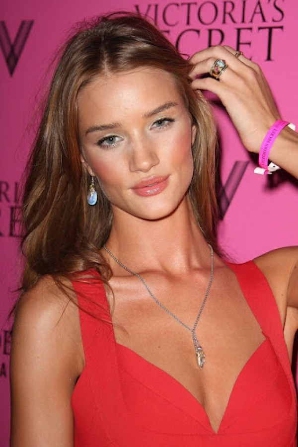Rosie-Huntington-Whiteley1