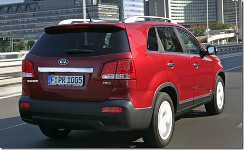 Kia-Sorento_2010_800x600_wallpaper_27