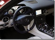 Mercedes-Benz-SLS_AMG_US_Version_2011_800x600_wallpaper_60