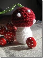crochet_mushroom