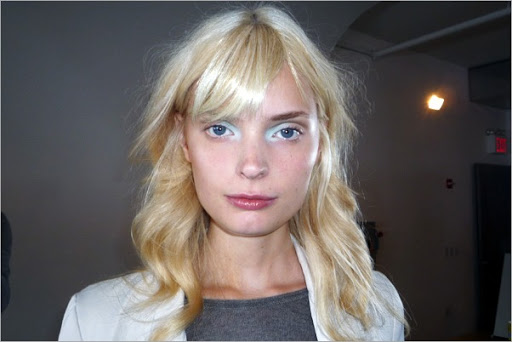 makeup-trends-2011-eyeshadow-extended-preen