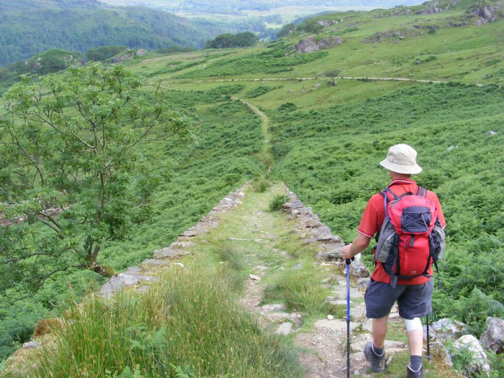 DAE found a (slightly shorter) shortcut down Snowdon