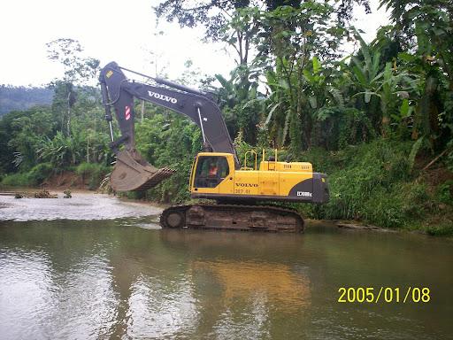 Contaminacion de las aguas de rios pristinos de Bosque Protector de Palo Seco