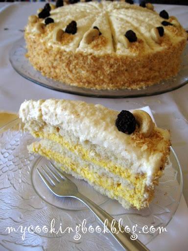 Торта с кокос и мус от манго