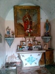 walk to Les Lacs inside ruined chapel