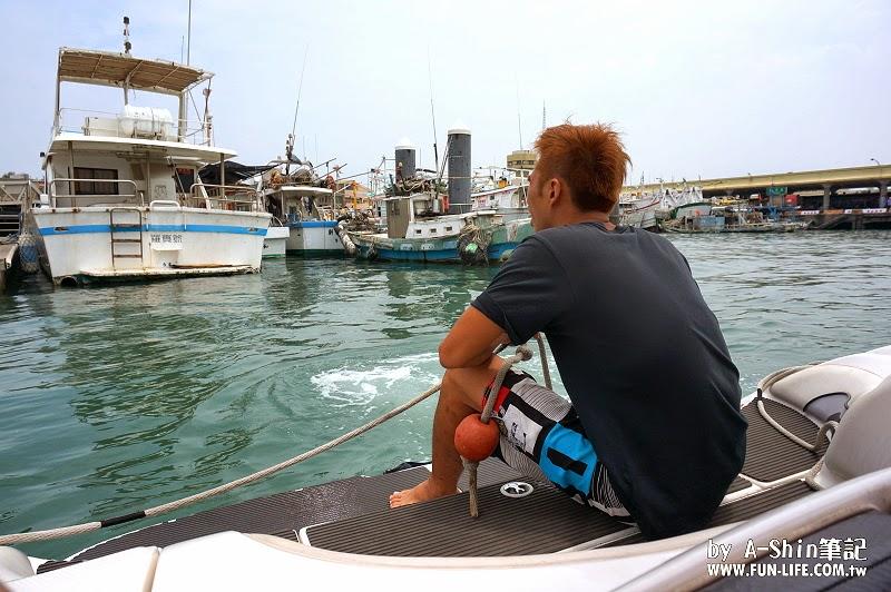 台中梧棲港搭遊艇27