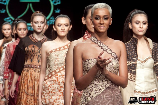 Dee Ong for Lampung by Batik 118