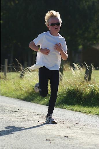 Lopen tegen Muco Oekene 2012