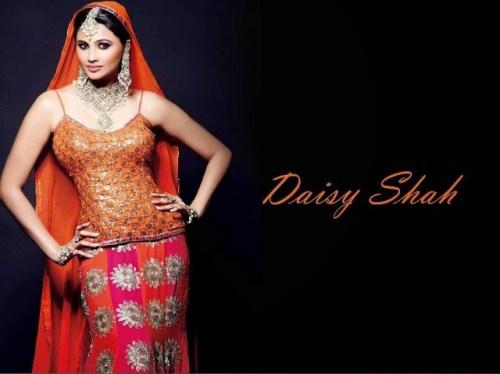 Daisy Shah Photos