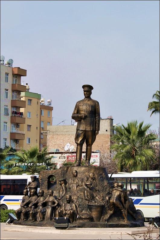 Atatürk-Denkmal