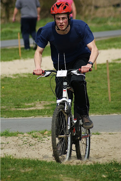 mountainbiken op schiervelde door SVS