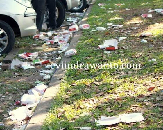 Sampah di dekat Pekan Lingkungan Hidup Indonesia