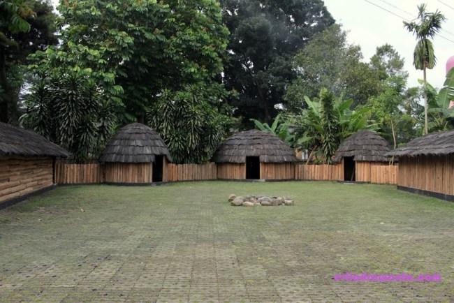 Rumah Papua Kompleks Honai