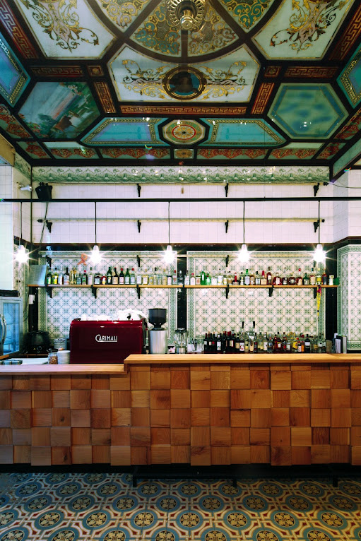 *改造中古世紀德國肉鋪的咖啡酒吧:Michael Grzesiak 保有原始彩繪磁磚! 7