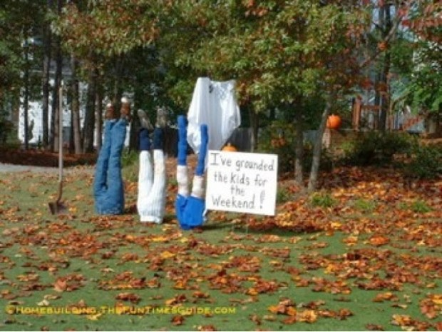 Brilliant Halloween idea www.roomsrevamped.com