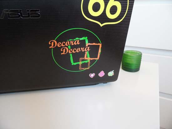 Decorar el portátil con logo de blog.