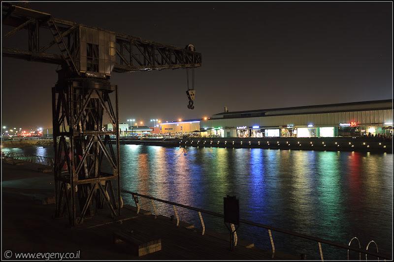 Порт в ночи