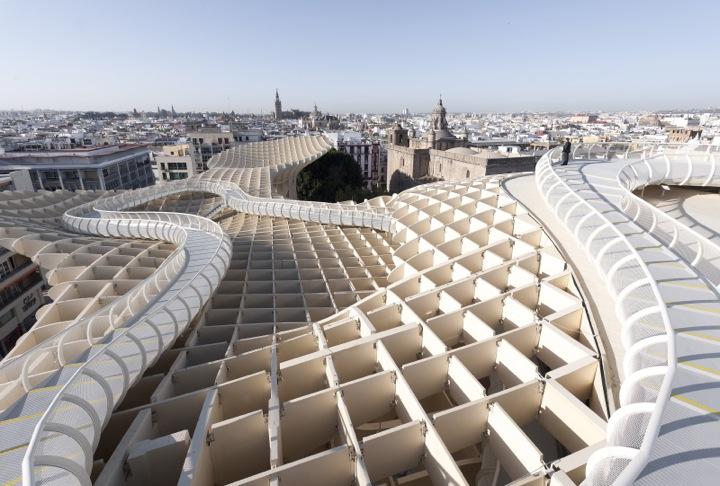 *西班牙-賽維利亞廣場古城新地標:大型蜂巢傘狀建築Metropol Parasol! 5