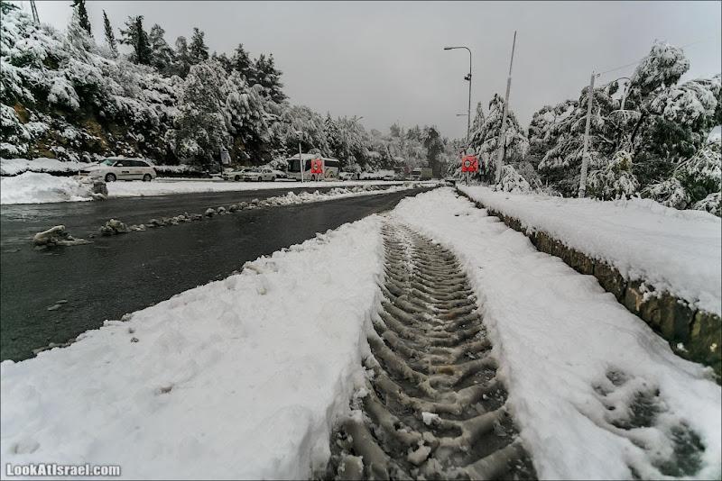 Падал январский снег