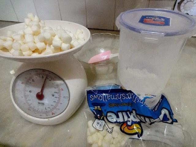 Home-made marshmallow Fondant