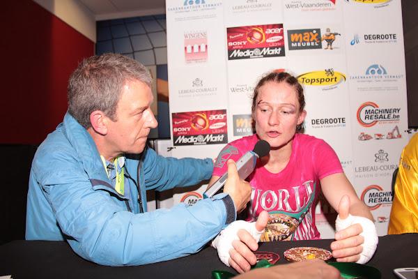 Delfine Persoon geeft interview aan Sporza radio