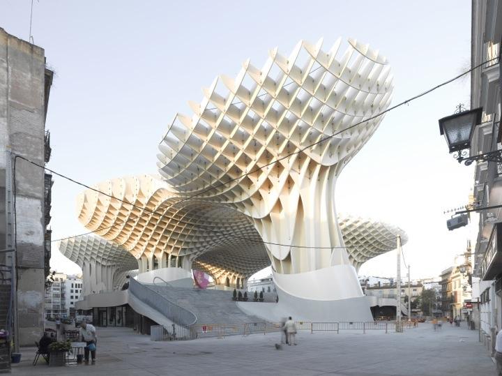 *西班牙-賽維利亞廣場古城新地標:大型蜂巢傘狀建築Metropol Parasol! 1