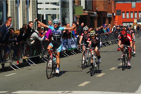 Engelbert Van Keirsbulck wint 18e GP Hostekint