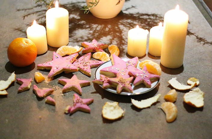 christmas cookies, star-shaped cookies, recipe colorful biscuits, icing cookies recipe, recipe for the holiday season