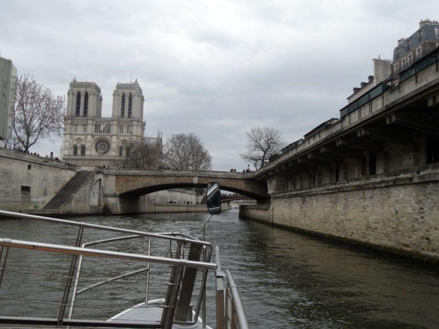 Seine nehri tekne turu