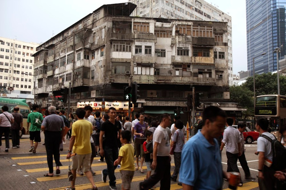 WHY COMPLEXITY IMPROVES THE QUALITY OF CITY LIFE (4/6)