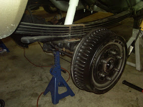 Rear axle unbolted from leaf springs