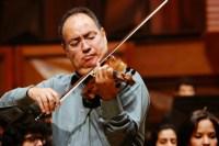 Igor Lara ofreció una interpretación del Concierto para violín y orquesta de Khachaturian que arrancó de sus asientos al público de la Sala Simón Bolívar