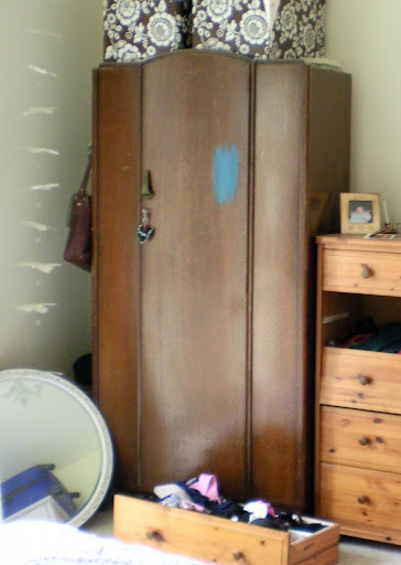 Project Thirty Eight: Painting my Wardrobe White (2/6)