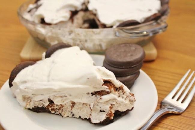 Thin Mint Cookies and Cream Pie - Joyful Momma's Kitchen