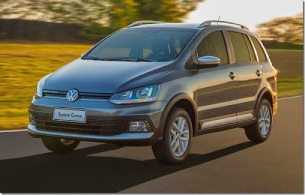 Volkswagen Space Cross 2015 (1)