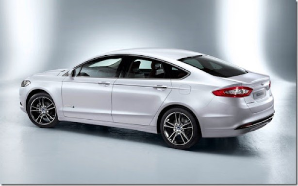Ford-Mondeo_2013_1600x1200_wallpaper_06