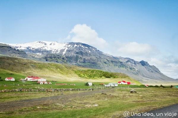 Iceland road (2).jpg