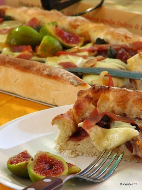pizza sa slatkim od luka i smokava-9