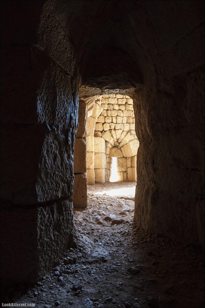 LookAtIsrael.com: Фото-блог о путешествиях по Израилю. Тель Авив, Иерусалим, Хайфа По коридорам-лабиринтам можно бродить очень долго