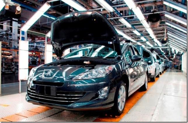 PSA_Peugeot-408-na-fábrica-de-El-Palomar