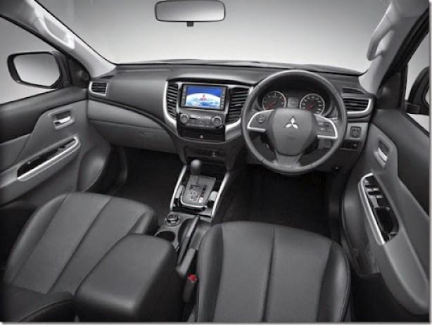 2015-Mitsubishi-Triton-cabin-1024x768