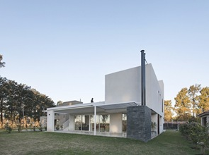 arquitectura-minimalista-Casa-RA-Pablo-Anzilutti