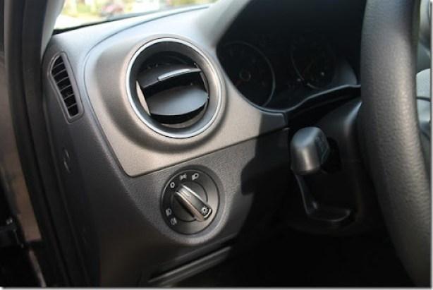 Volkswagen_voyage_gol_2013 (16)