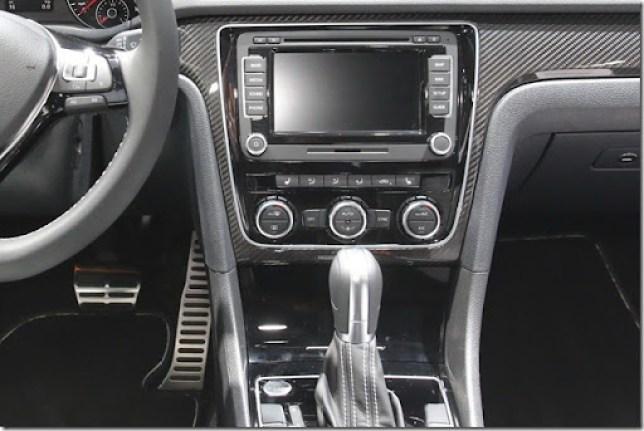 VW-Passat-Performance-Concept-5[2]