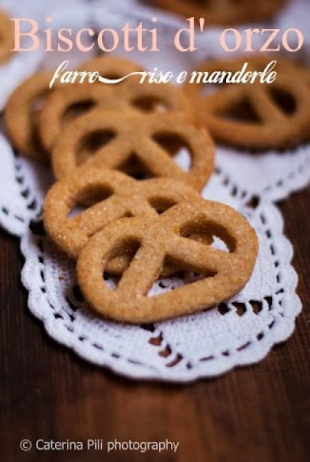 Biscotti d'orzo,farro ,riso e mandorle,ricetta senza burro