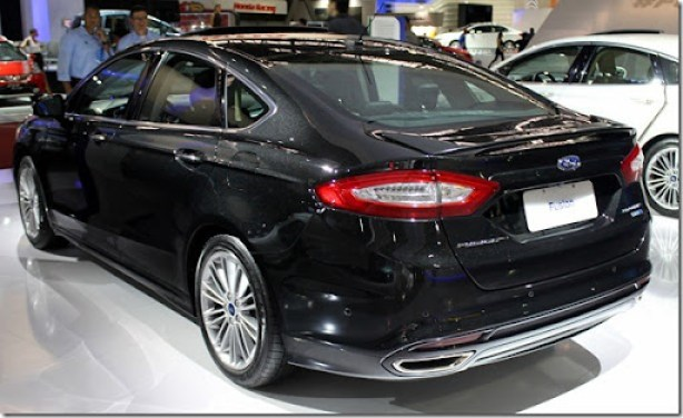 Ford Fusion 2013 (4)