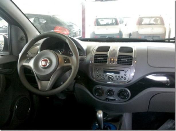 Fiat Grand Siena 2013 (13)