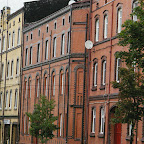Old buildings in rather decent shape alongside Bożogrobców Street.