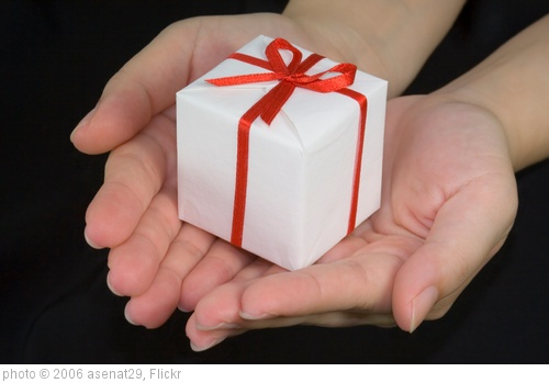 'Gift' photo (c) 2006, asenat29 - license: http://creativecommons.org/licenses/by/2.0/