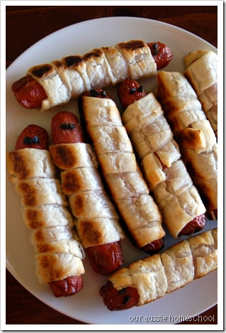 Mummy Hot Dogs ~ Our Aussie Homeschool